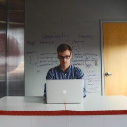 Alles over de online werkplatforms Fiverr, Upwork en Jellow